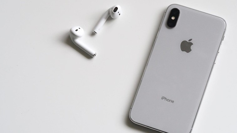 airpods и iphone