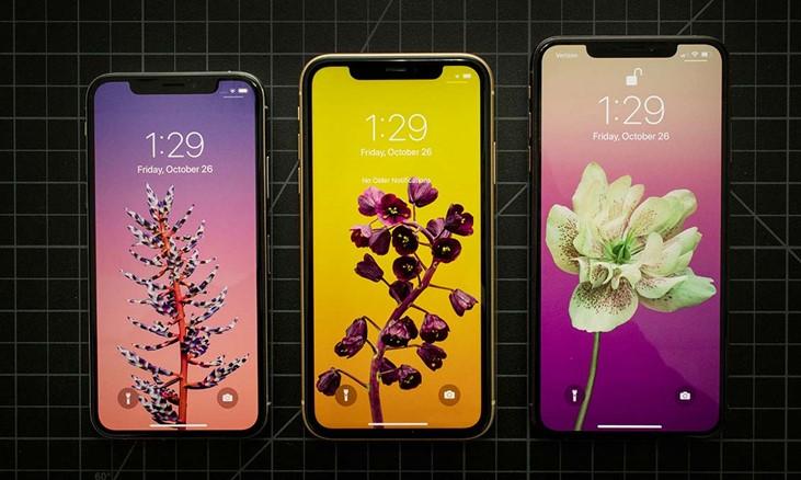 экран iPhone XS и iPhone XR