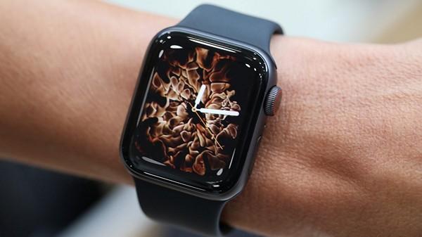 дисплей Apple Watch